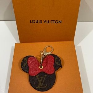 ✨AUTHENTICLV MINNIE MOUSE KEY CHAIN - Repurposed✨